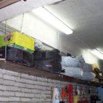 Étagère suspendue sur les talons pour le garage