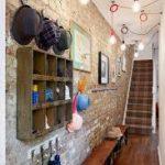 Hall d'entrée dans une maison privée de style loft
