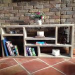 Simple étagère pour livres et anecdotes style loft