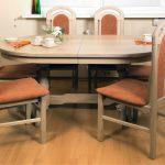Table ovale pliante pour le coin repas