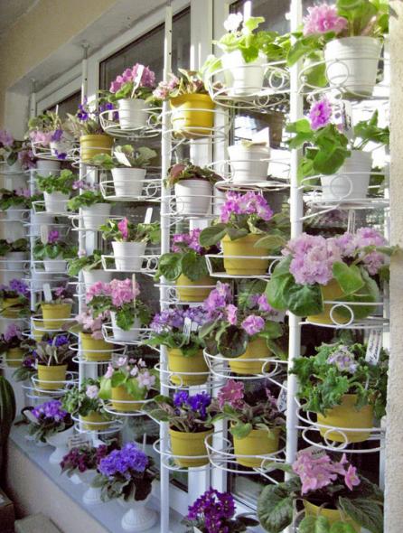 Spacer, jossa on kukka-asetelma