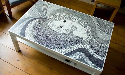 Peinture de table basse