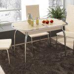 Table en verre transformant