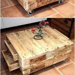 Petite table avec palette avec tiroirs