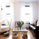 Table basse faites-le vous-même depuis la fenêtre et les livres