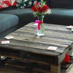 Table basse dans le salon de la palette