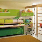 Transformateur de meubles dans la chambre des adolescents