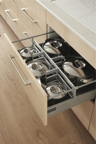 Tiroir de casserole pratique et fonctionnel