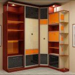 Armoire d'angle avec étagères