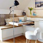 Table de travail ou à manger rétractable dans une petite cuisine