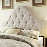 Tête de lit capitone beige pour lit king size