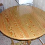 Table en bois faite maison sous laque