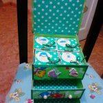 Commode en carton pour enfants en vert