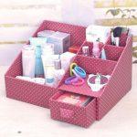 Commode-organiseur en carton pour produits cosmétiques