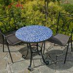 Table forgée avec mosaïques et chaises incluses