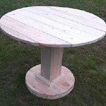 Table ronde de planches sur une seule jambe massive