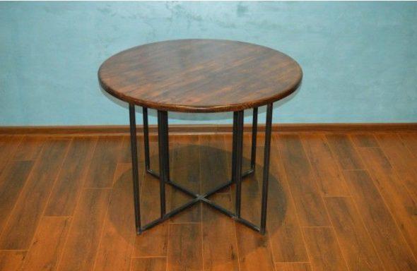 Table en bois et métal