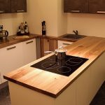 Comptoir de cuisine du massif d'une noix sauvage