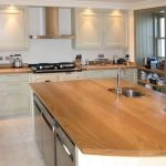 Set de cuisine avec plateau en bois