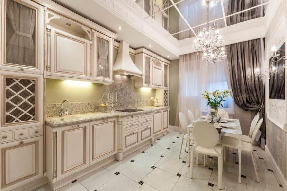 Set de cuisine chic avec armoires hautes