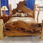 Arbre sauvage pour le dos d'un lit fait maison