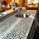 Zèbre de table peint