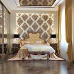 Chambre classique avec un beau lit et une penderie