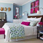 Meubles de couleurs différentes pour une chambre confortable