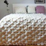 Couverture en gros tricot
