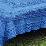 Couvre lit à carreaux bleu
