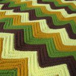 Plaid à quatre couleurs avec motif en zigzag