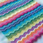 Couverture colorée avec des vagues faites-le vous-même