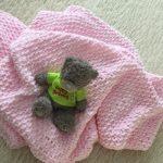 Plaid pour le bébé rose tendresse