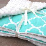 Peluche couverture bébé avec des motifs