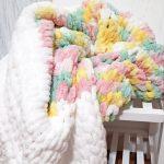 Nuage en peluche multicolore pour bébé