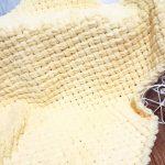 Couverture tissée jaune en peluche douce