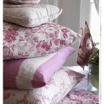 Witte en roze Provence-kussens
