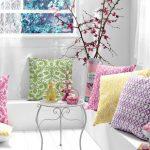 Mooie decoratieve kussens voor het Engelse interieur