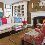 Mooie kussens voor een bank in een klassieke woonkamer