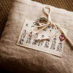 Rustiek de datumkussen van het huwelijk