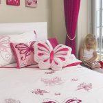 Vlinderkussens voor meisjes slaapkamer
