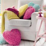 Hartvormige kussens in verschillende kleuren