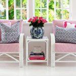 Roze-grijze zitkussens in het zitgedeelte