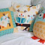 Zelfgemaakte kussens met uilen - schattig en gezellig