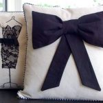 Vrouwelijke versie van decoratieve kussens