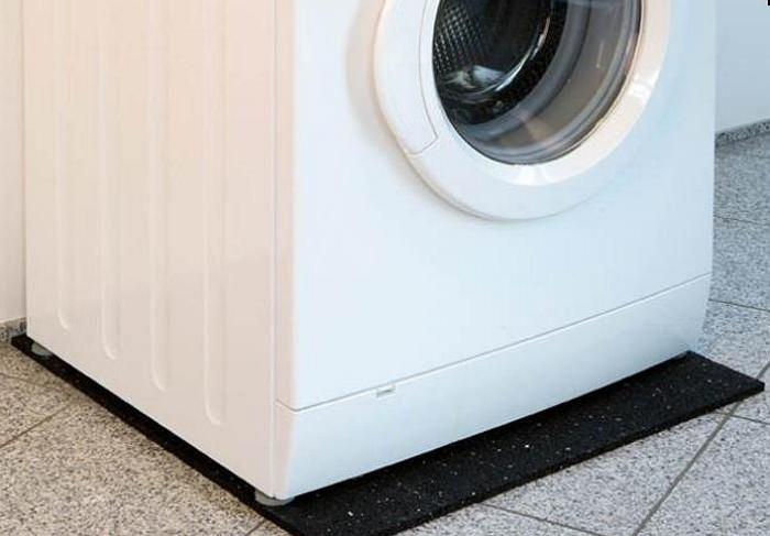 Tapis anti-vibration pour machine à laver