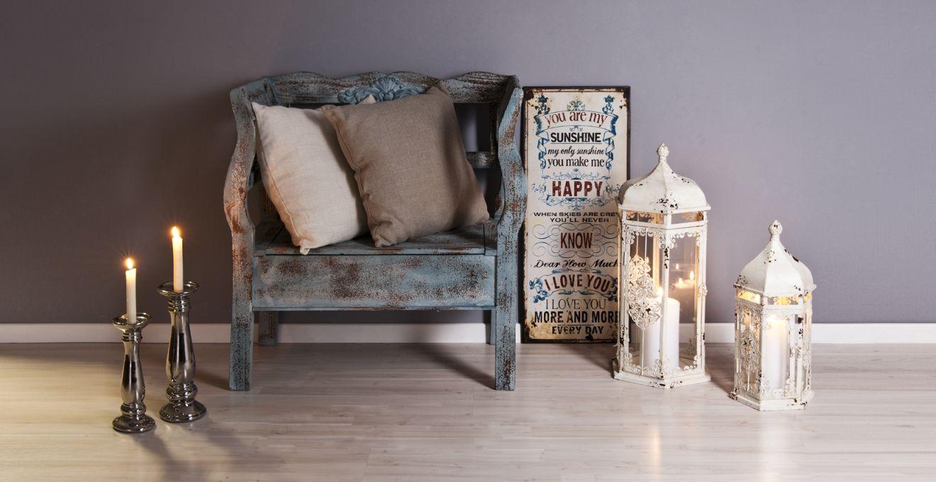 meubles anciens à l'intérieur