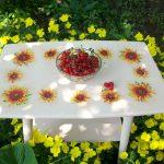 table de découpage en couleurs d'été