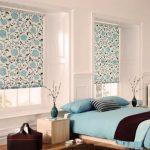 Textiles bleus à l'intérieur de la chambre
