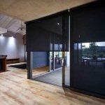 Vitrage panoramique d'une maison privée